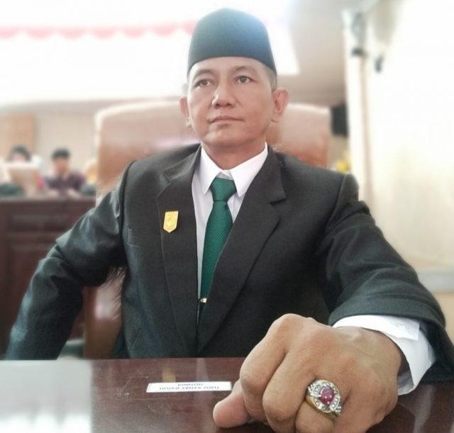Husen Yahya Suit Pontoh