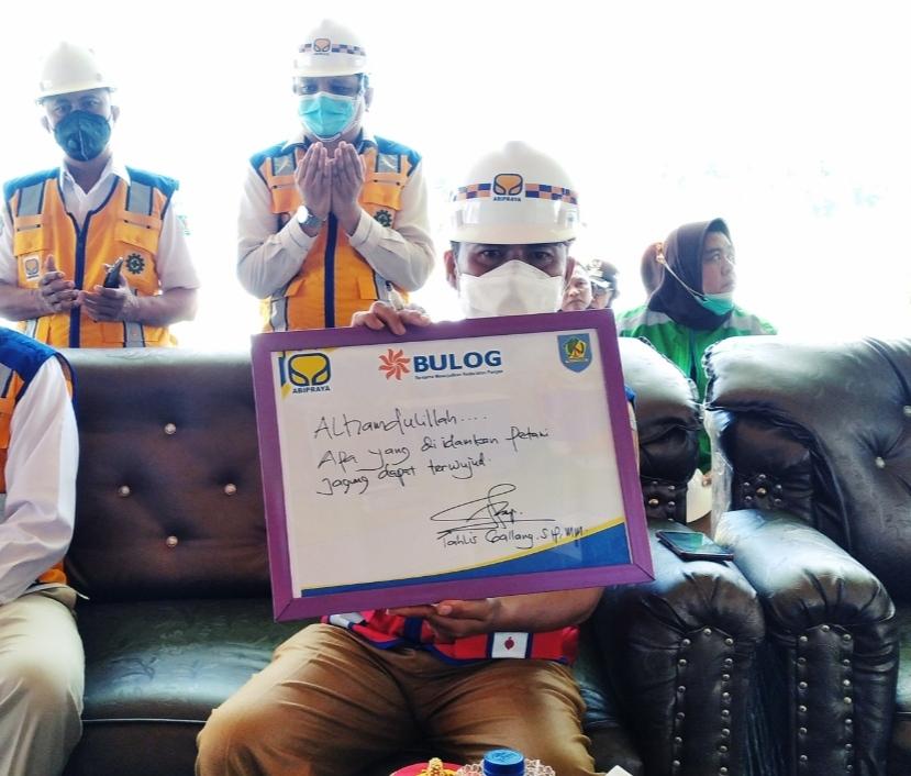 Sekda Bolmong menuliskan kesannya usai melakukan peletakan pembangunan Gudang CDC di Kabupaten Bolmong