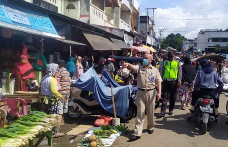 Penertiban PKL di Pasar 23 Maret Kotamobagu