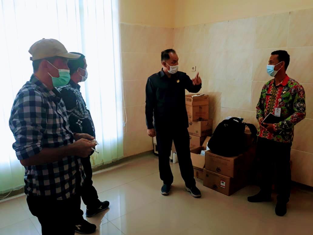 Komisi I DPRD Bolmut saat berkunjung ke Puskesmas Biontong