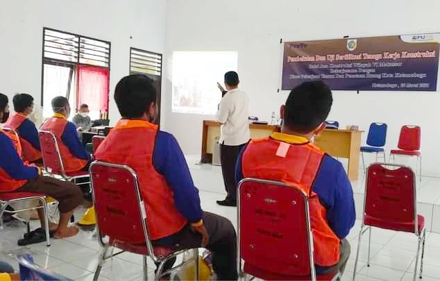 Tenaga Kerja Konstruksi di Kotamobagu, Ikut Pembekalan dan Uji Sertifikasi