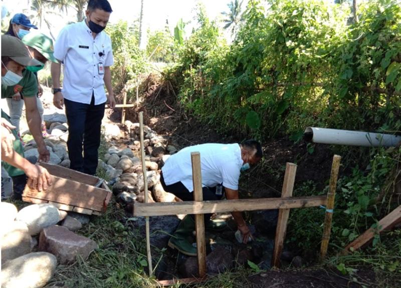 Pembuatan Saluran Irigasi di Desa Kobo Besar, Diperuntukkan Bagi 11 Kelompok Tani