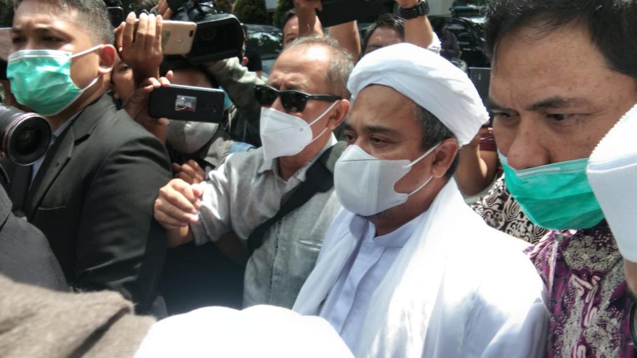 Atas Kasus Kerumunan di Megamendung, Rizieq Divonis Denda 20 Juta