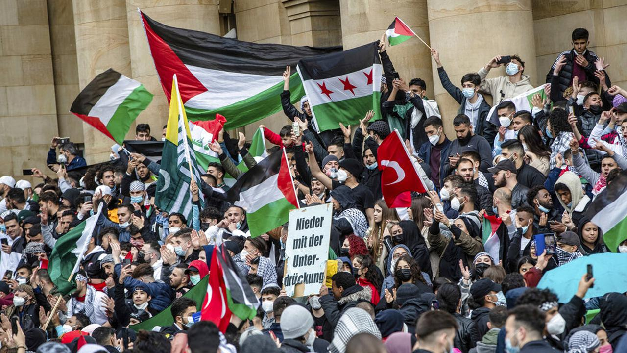 Jakarta Pasang Lampu Warna Bendera Palestina