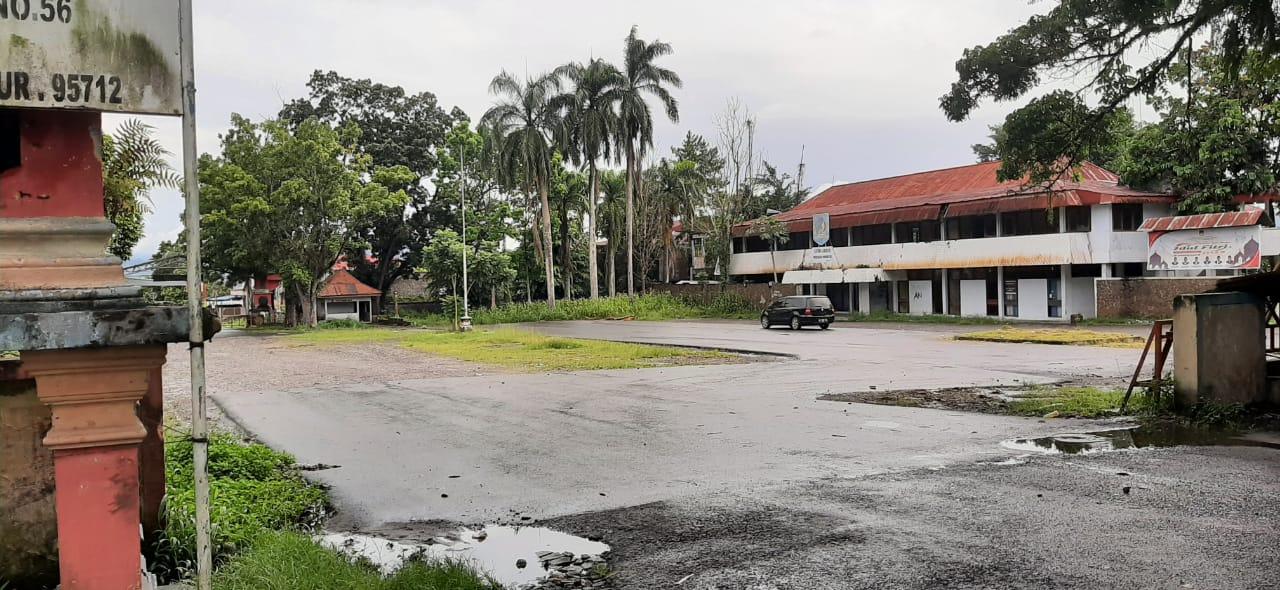 Proyek Pengaspalan Areal Kantor Eks Bupati Bolmong di Kotamobagu Tuntas Dikerjakan