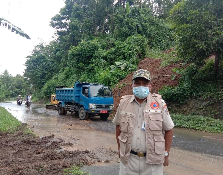 BPBD dan Dinas PUPR Kotamobagu, Tangani Tanah Longsor di Gogagoman