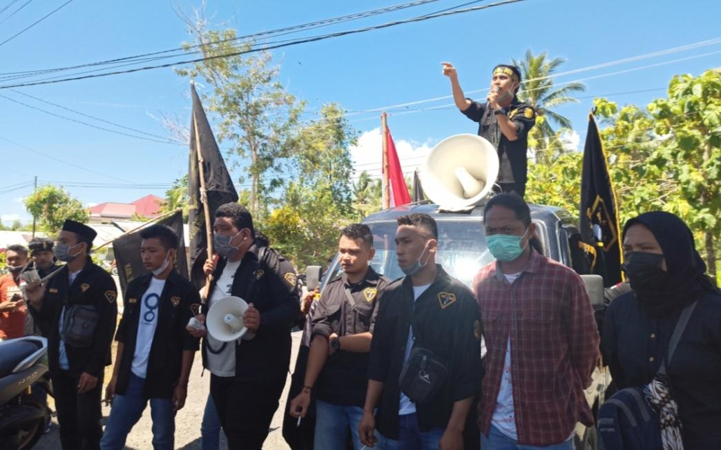Soal Isu Mafia Proyek, LSM Penjara Gelar Aksi Demo di Kantor Bupati Bolmut