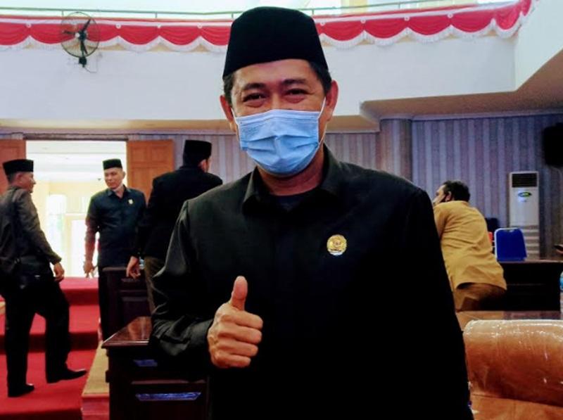 Donny Pangau Resmi Jabat Ketua Fraksi PDI-P Bolmut