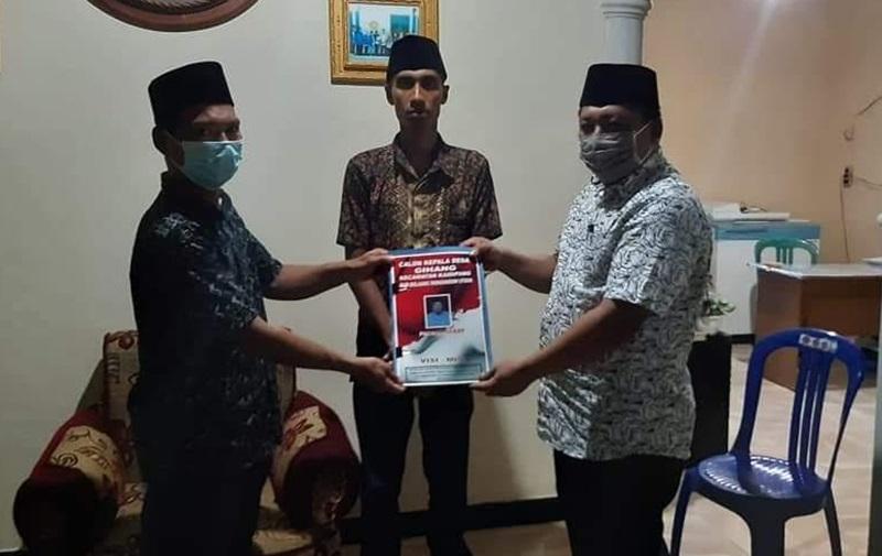Patris Babay Resmi Mendaftar Calon Sangadi Gihang